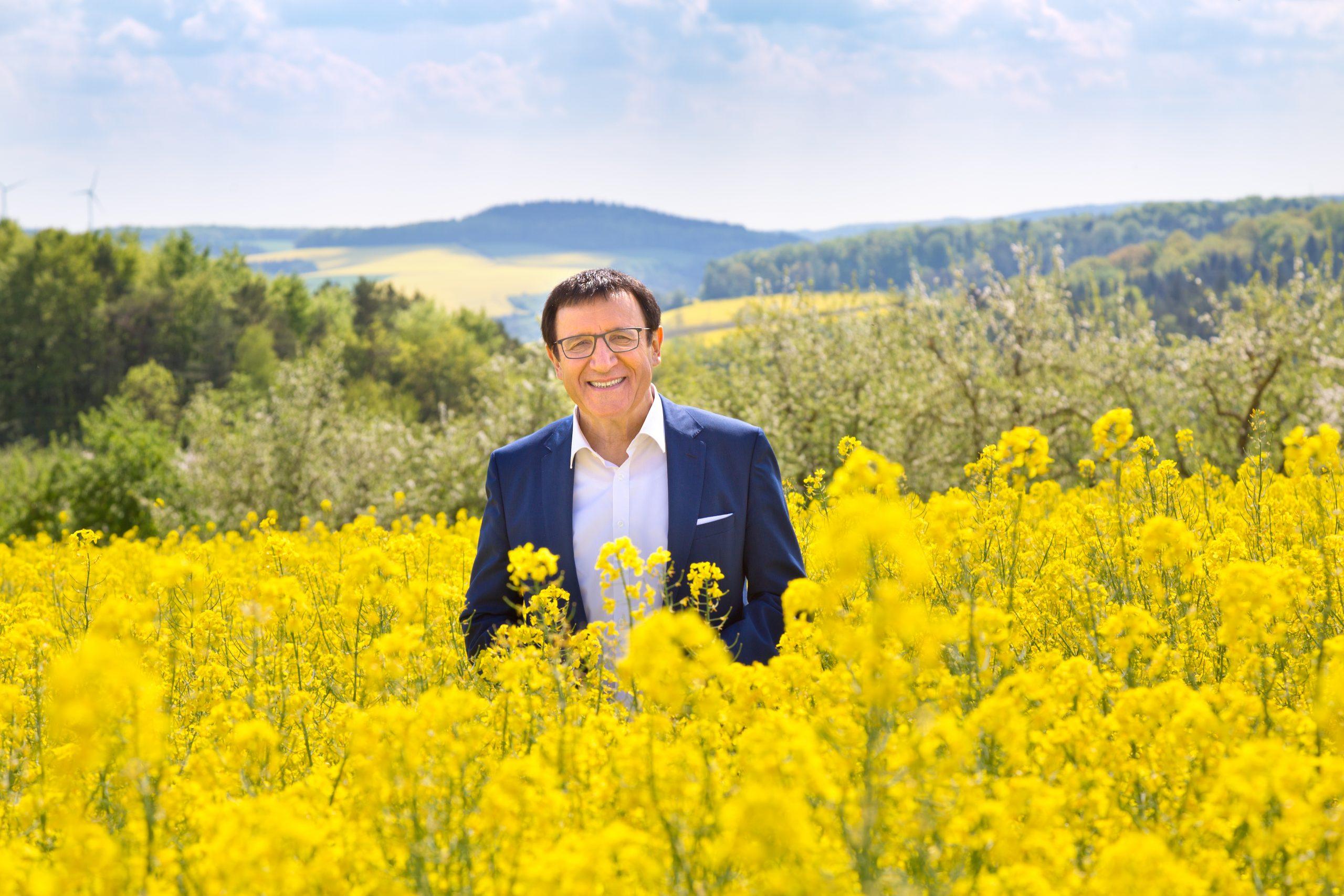 Prof. Dr. Wolfgang Reinhart MdL in der Natur